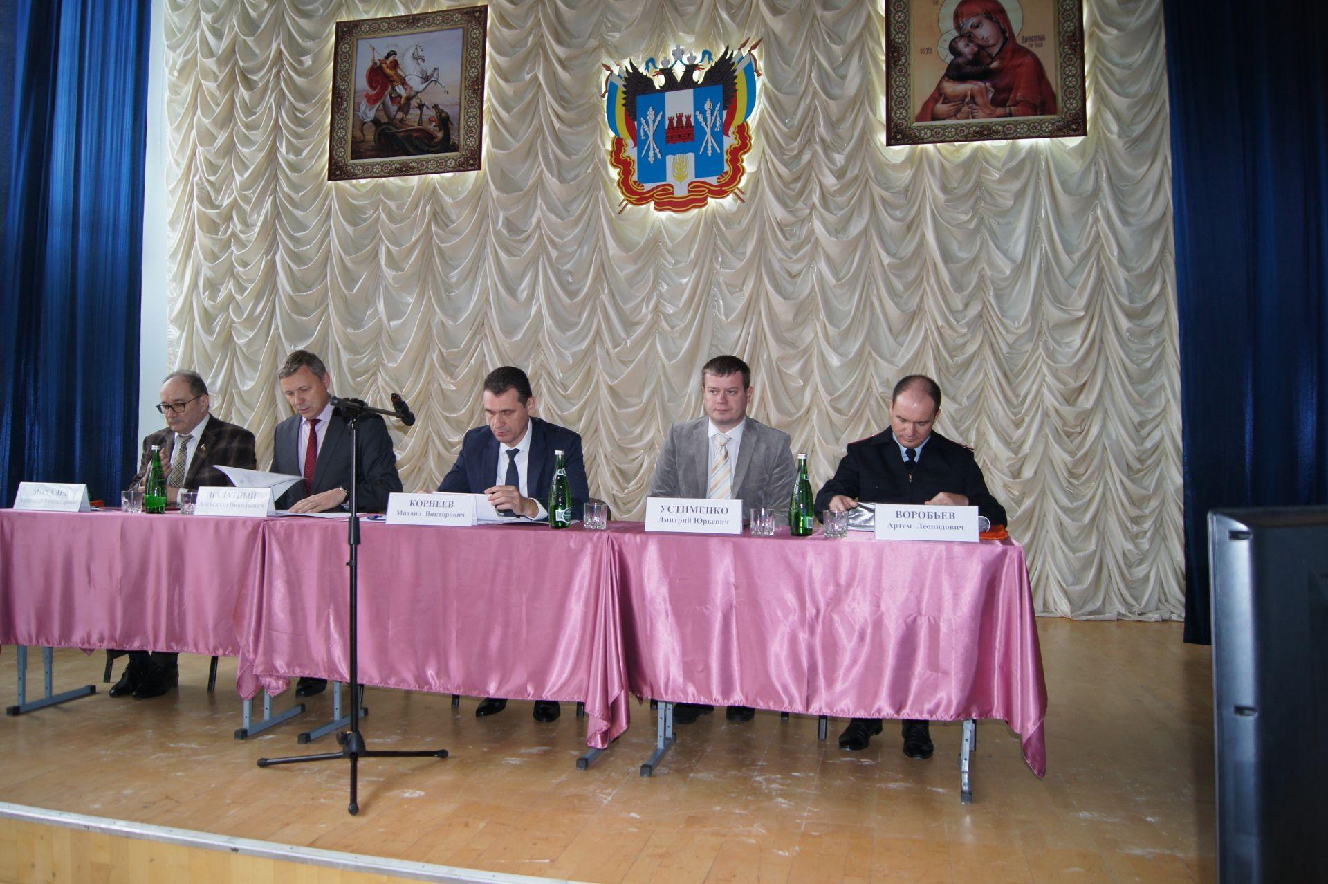 В Белой Калитве прошел семинар-совещание с заместителями глав муниципалитетов, курирующих вопросы казачества