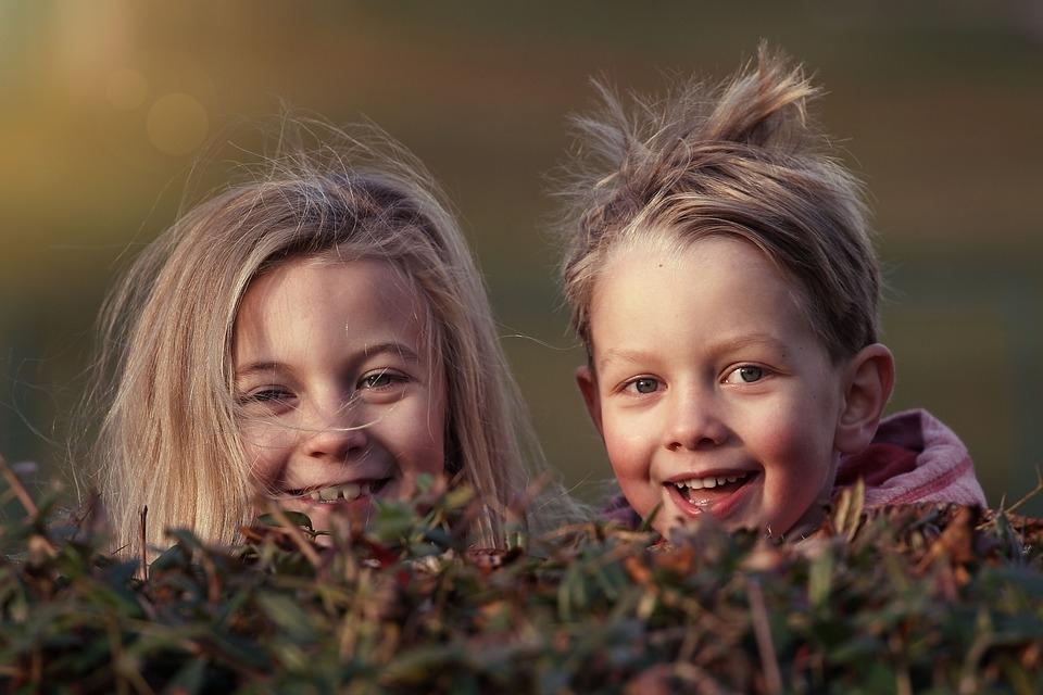 1 декабря стартует новый конкурс «Перекрестка» «Друг детства»