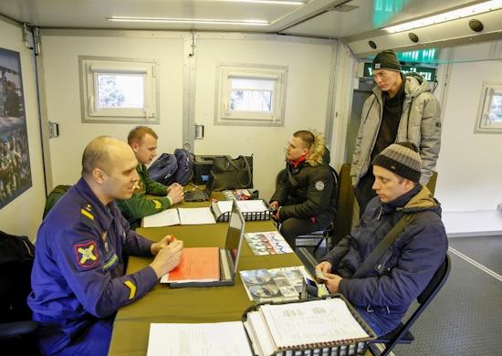Более 500 человек посетили пункт отбора на службу по контракту ЮВО во время военно-патриотической акции «Сирийский перелом» в Ростове-на-Дону