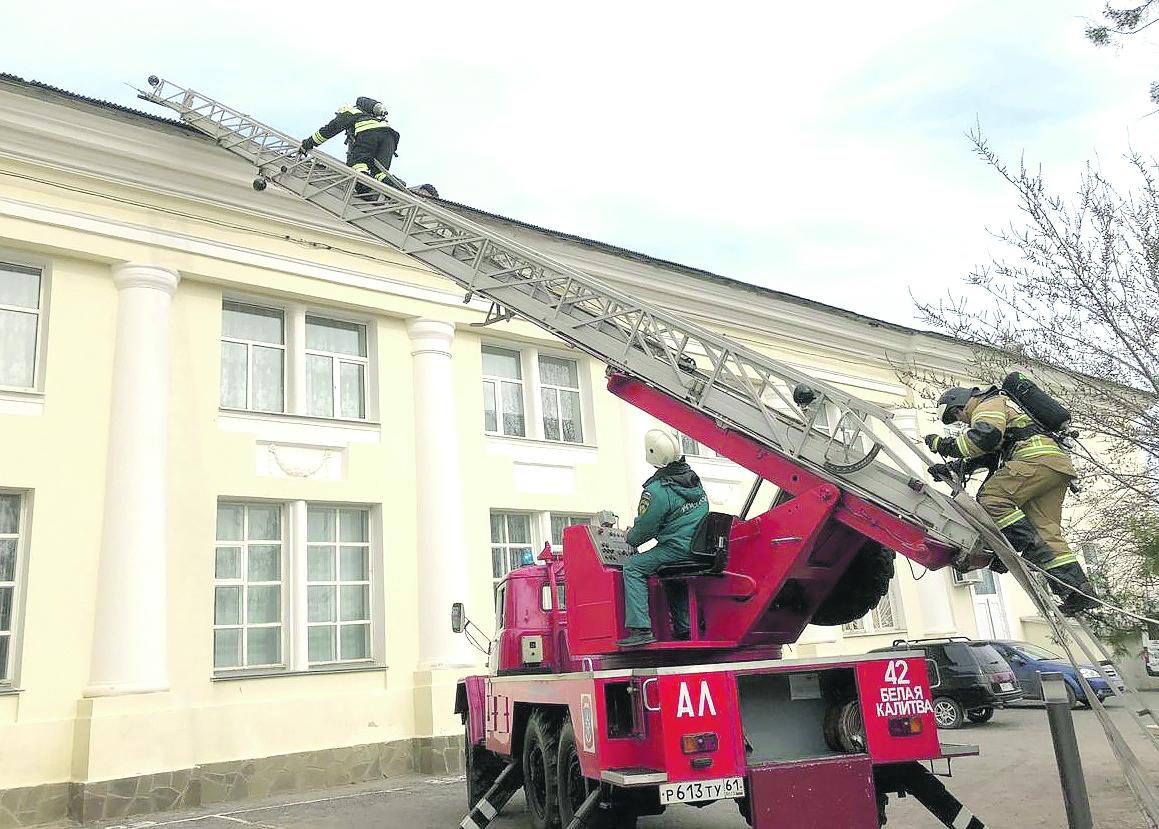 Белокалитвинские пожарные провели тактические учения