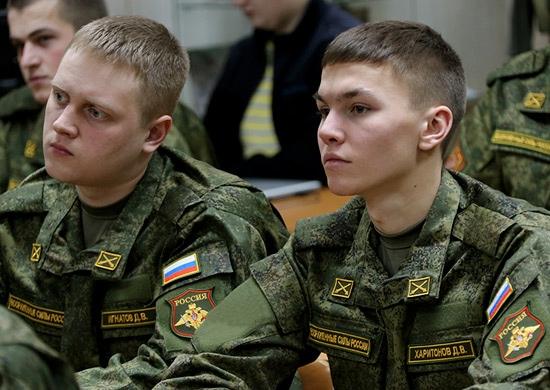 Около 4 тыс. студентов пройдут стажировку в воинских частях ЮВО