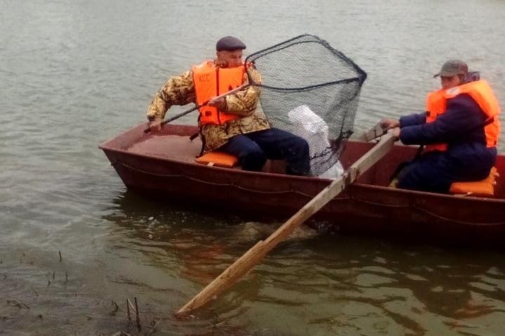 В Ростовской области водники собрали тонну мусора в водоохранных зонах Дона, Северского Донца и Маныча