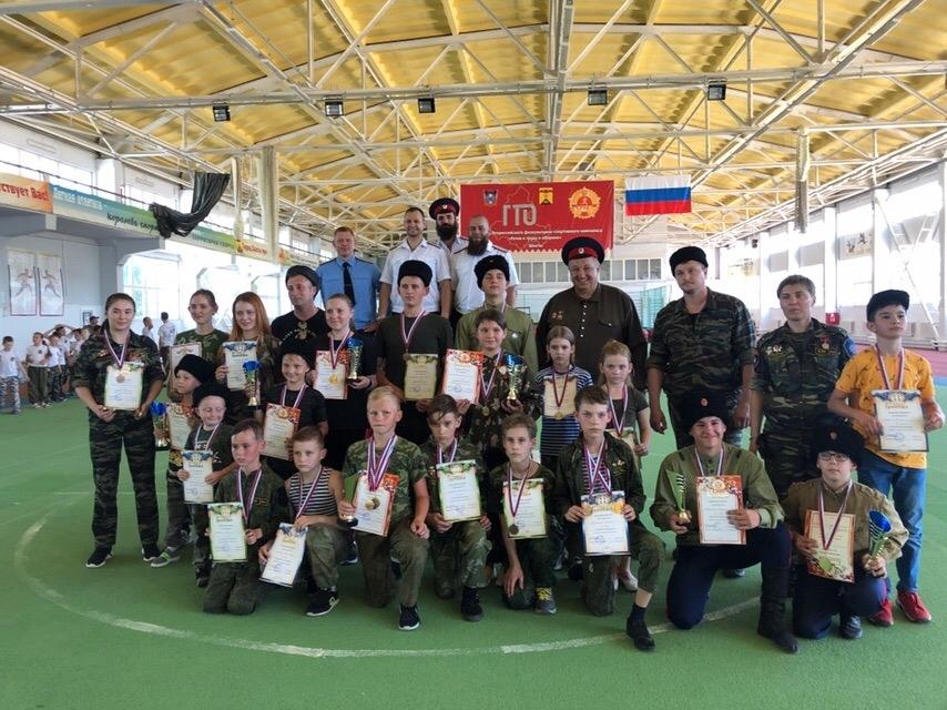 Юные казаки и казачки приняли участие в спартакиаде в Шахтах