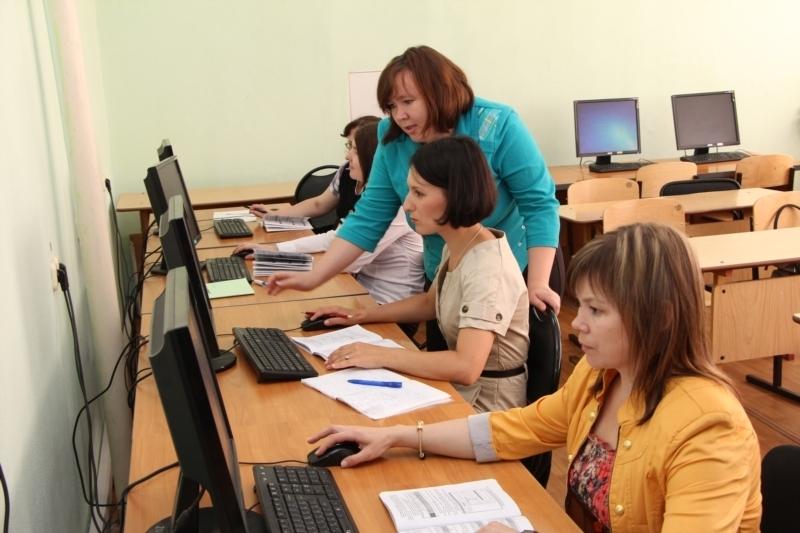 Служба занятости населения Ростовской области проводит обучение женщин, которые находятся в отпуске по уходу за ребенком