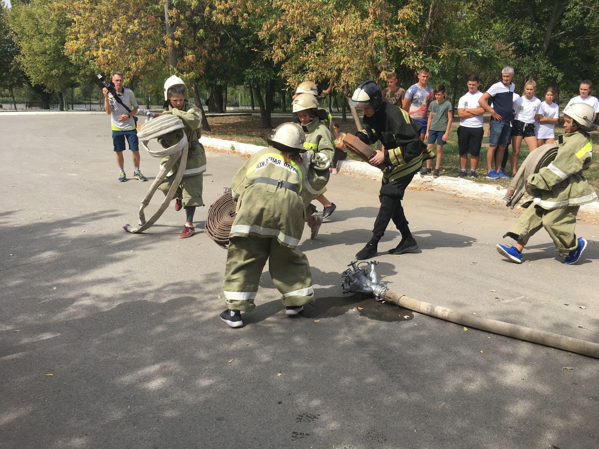 Юные пожарные: кто сильнее?