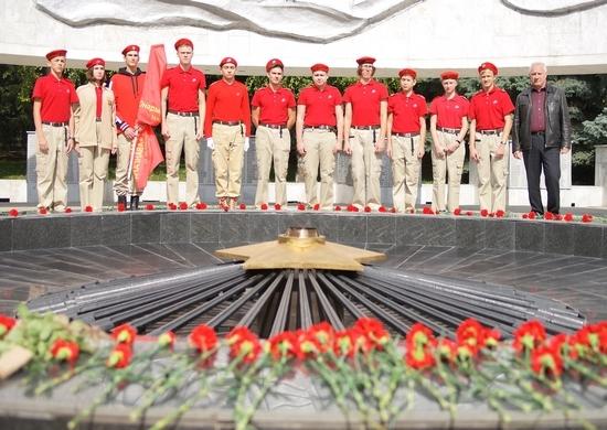 В Ростове-на-Дону 560 юношей и девушек вступили в ряды Юнармии