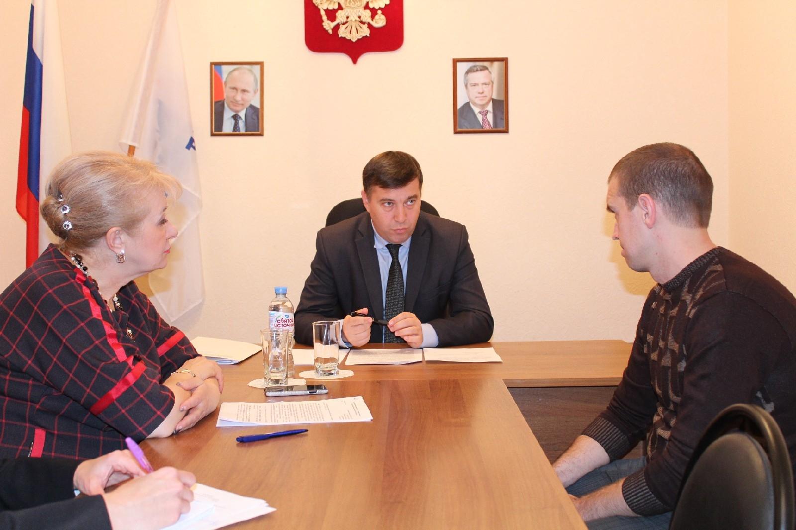 Белую Калитву с рабочим визитом посетил министр природных ресурсов и экологии Ростовской области М.В. Фишкин