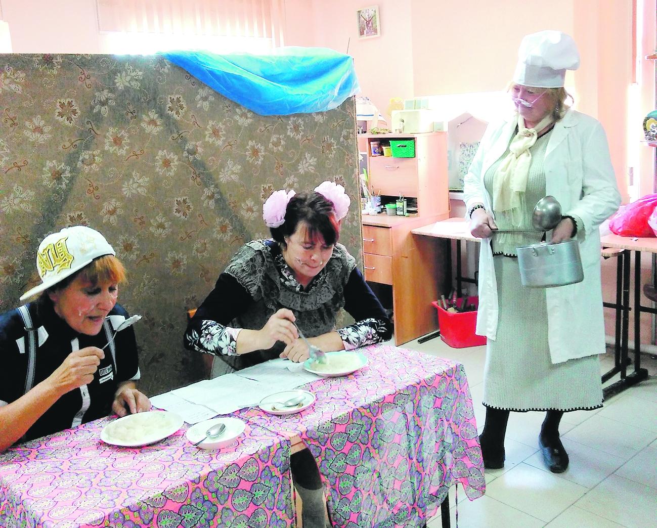 В семейном центре при храме Казанской иконы Божией Матери в поселке Коксовом Белокалитвинского района начала работу литературно-музыкальная гостиная