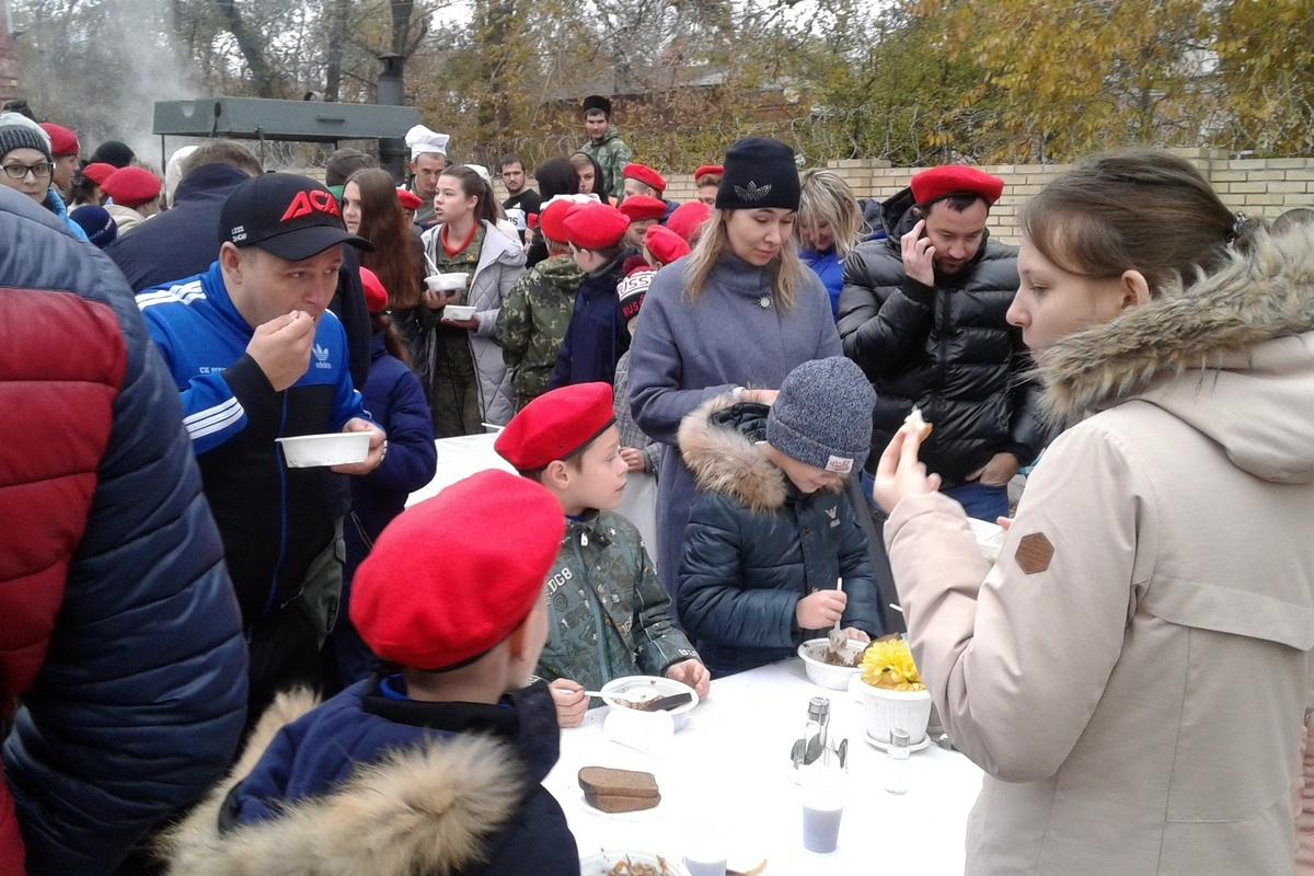 В Новочеркасске более 150 школьников вступили в ряды движения «Юнармия»