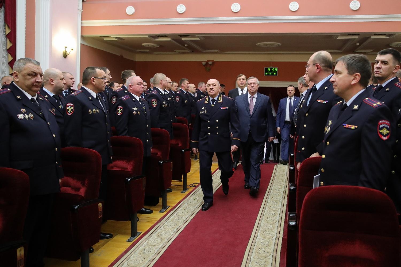 Губернатор поставил задачи обеспечить безопасность празднования 75-летия Великой Победы и VI Всемирного конгресса казаков