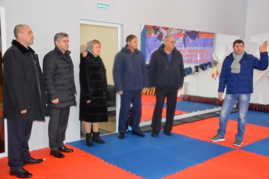 Белокалитвинский район с рабочей поездкой посетил министр по физической культуре и спорту Ростовской области Самвел Аракелян