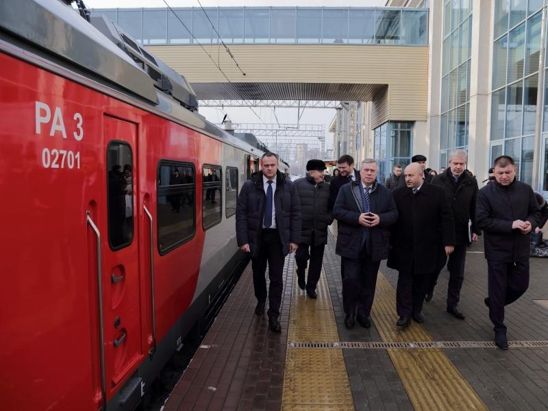Рельсовые автобусы нового поколения вышли на пригородные маршруты Ростовской области
