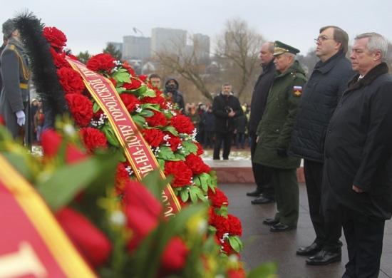 Более 3 тыс. военнослужащих ЮВО отметили 77-летие освобождения Ростова-на-Дону от немецко-фашистских захватчиков