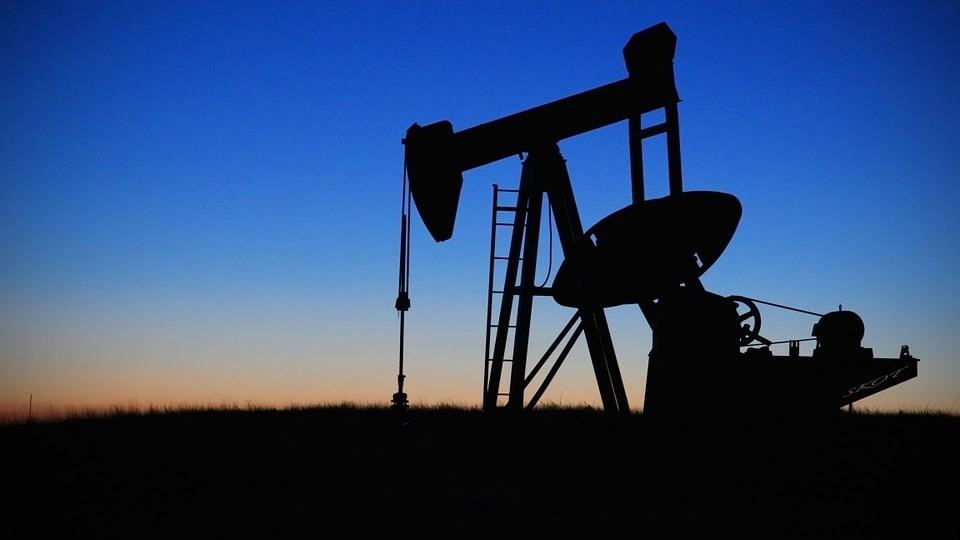 Страны ОПЕК+ заключили «историческую» сделку о снижении нефтедобычи