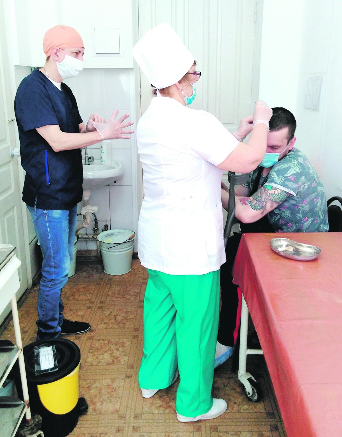 С конца марта за травматологической помощью обратилось без малого 2000 белокалитвинцев