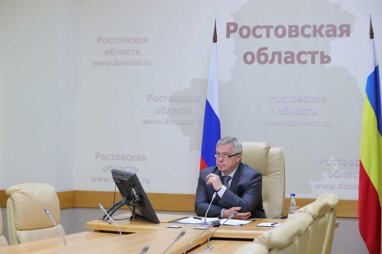 Возобновление работы донских птицефабрик обсудил Василий Голубев с инвестором