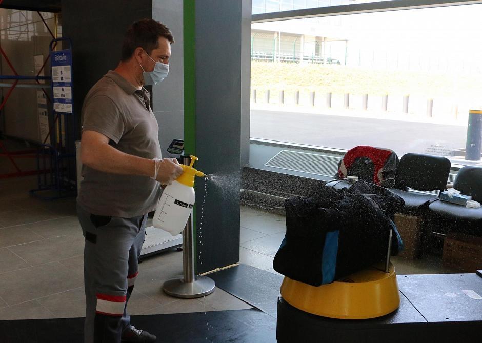 В «Платове» появилась новая услуга — дезинфекция багажа