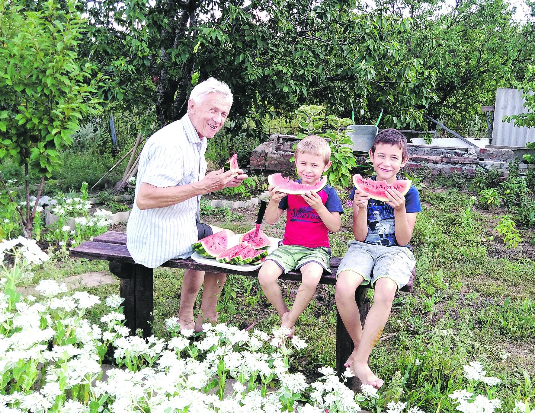 В Белой Калитве и районе началась торговля местными бахчевыми культурами