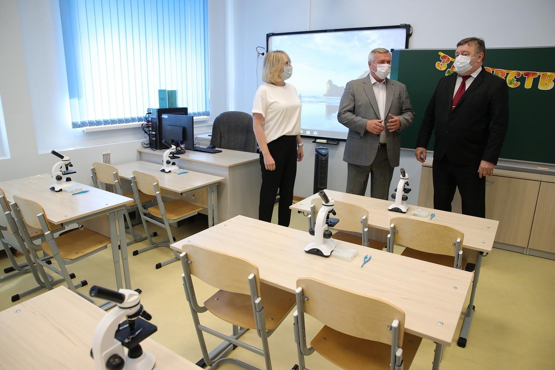 Готовность донских школ к учебному году проверил губернатор Ростовской области