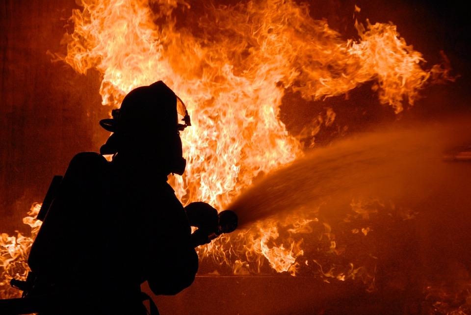 Причина пожаров в Белокалитвинском районе- пал сухой растительности!