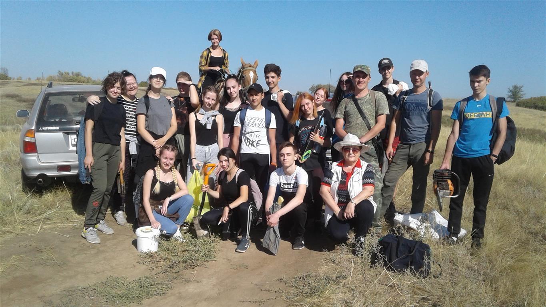 Белокалитвинские школьники расчистили реку Лихую