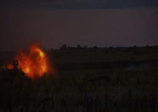 Танкисты ЦВО отразили ночную атаку «противника» на учении под Оренбургом