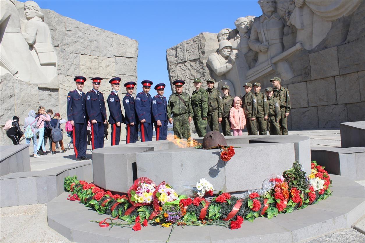 Хранить память о героях войны