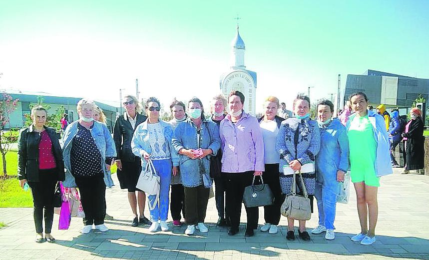 Работники библиотек Белокалитвинского района посетили мемориал Славы на Самбекских высотах