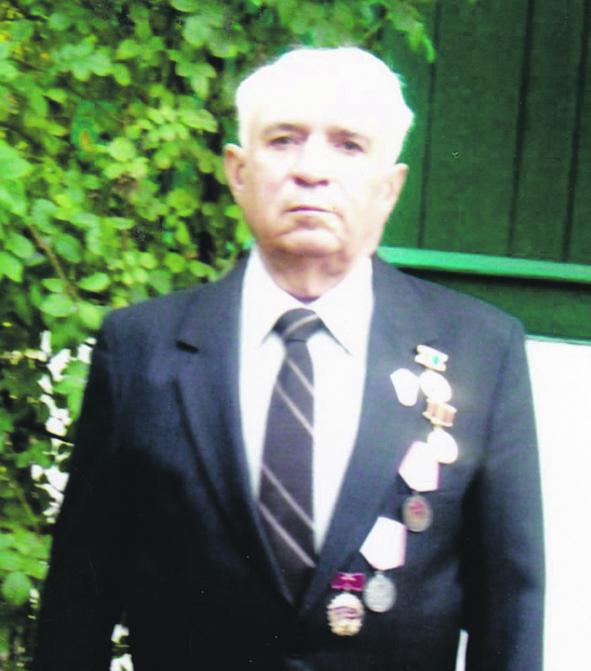Жителю поселка Синегорского Михаилу Павловичу Мозговому исполнилось 85 лет