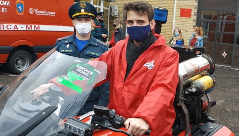 Добровольцы Молодежного крыла Общенародного Народного Фронта посетили Специализированную часть экстренного реагирования МЧС России