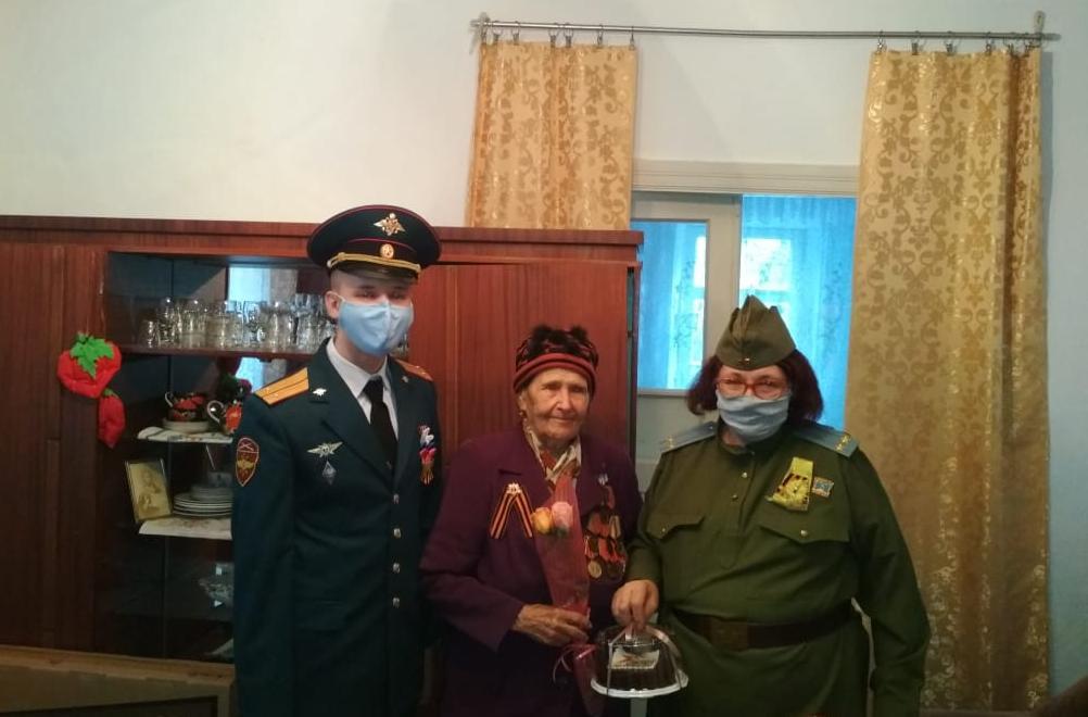 В Пятигорске Росгвардейцы навестили ветеранов Великой Отечественной войны