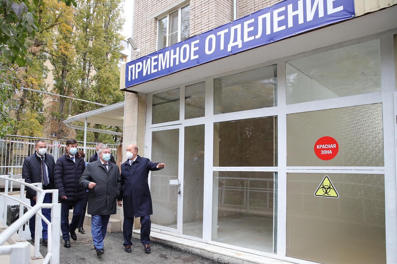 Василий Голубев: «В Ростове откроем дополнительно 200 ковидных коек»