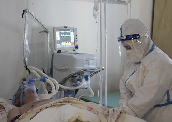 Российские военные медики Южного военного округа продолжают лечение больных в мобильном многопрофильном госпитале, развернутом в Абхазии для больных с коронавирусной инфекцией