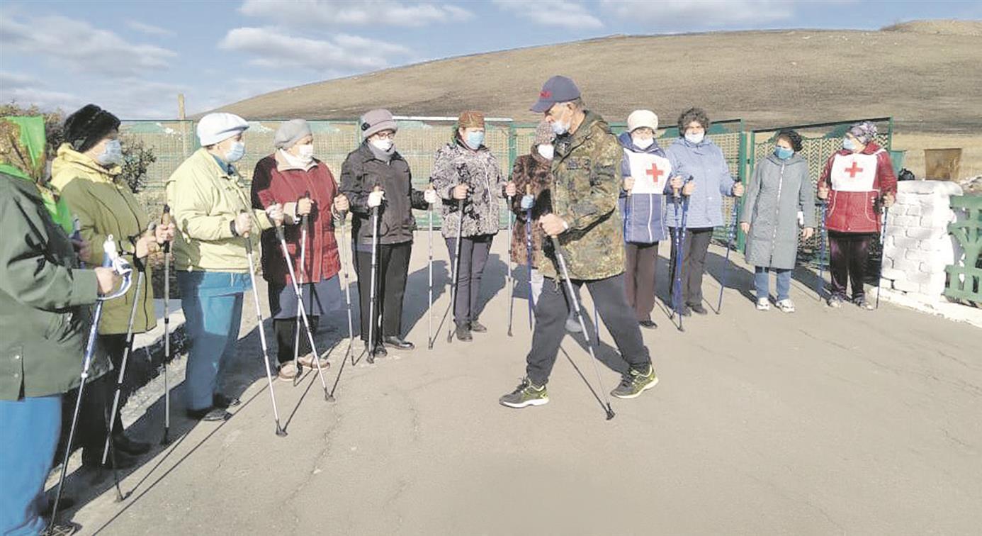 В поселениях Белокалитвинского района подвели итоги работы групп здоровья по скандинавской ходьбе