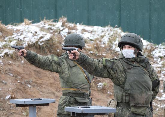 Курсанты первого курса Дальневосточного ВОКУ выполнили первые стрельбы из стрелкового оружия