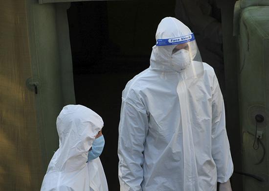 Российские военные медики продолжают лечение больных в мобильном многопрофильном госпитале, развернутом в Абхазии для больных с коронавирусной инфекцией
