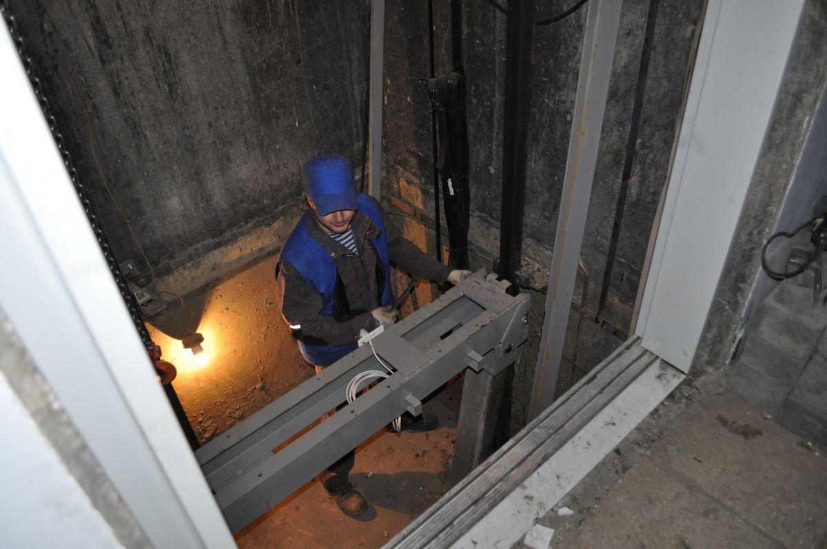 Более 1400 лифтов заменили в многоквартирных домах региона за пять лет