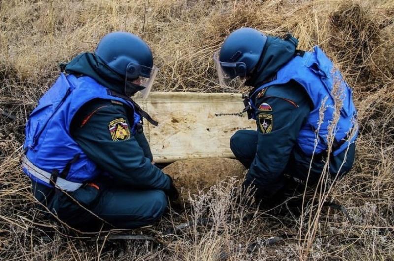 Пиротехники Донского спасцентра обезвредили фугасную авиабомбу