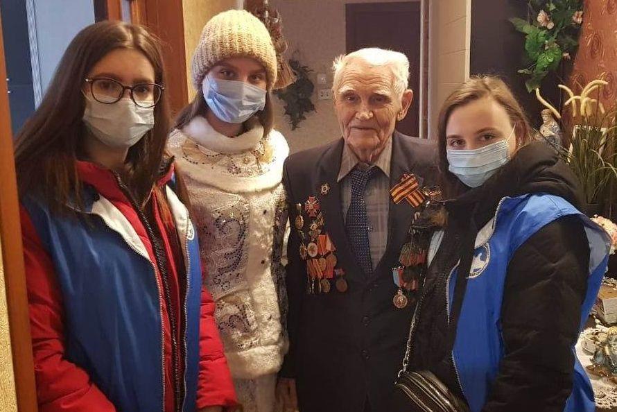 Жители Дона присоединились ко Всероссийской акции «С Новым годом, ветеран!»