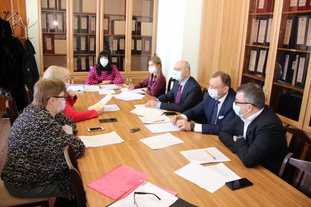 Комиссия гордумы по образованию: необходимо пересмотреть программу по строительству детсадов, чтобы обеспечить местами в них всех дошколят
