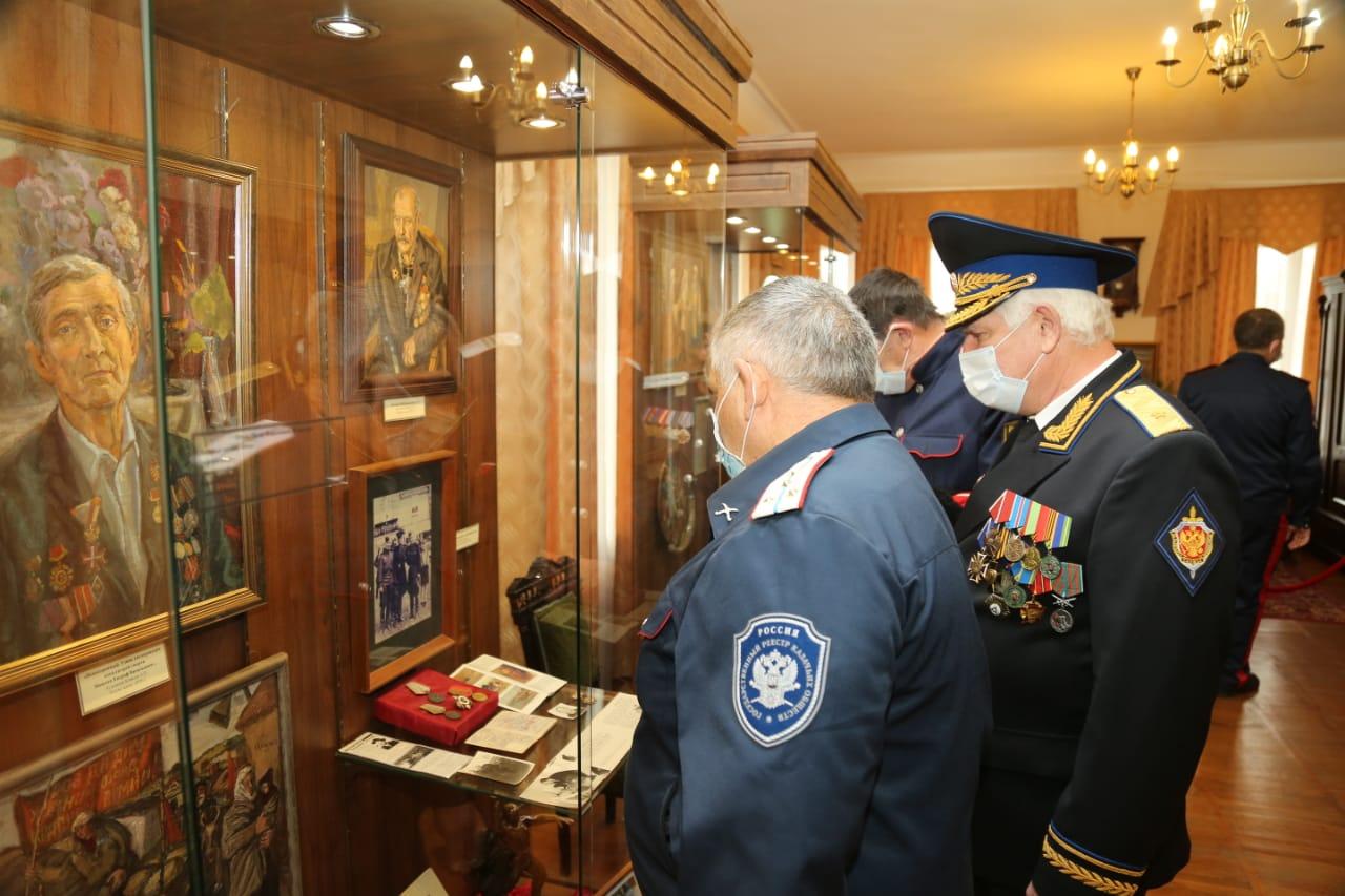 В Старочеркасском историко-архитектурном музее-заповеднике открылась выставка «Казачество на государевой службе»