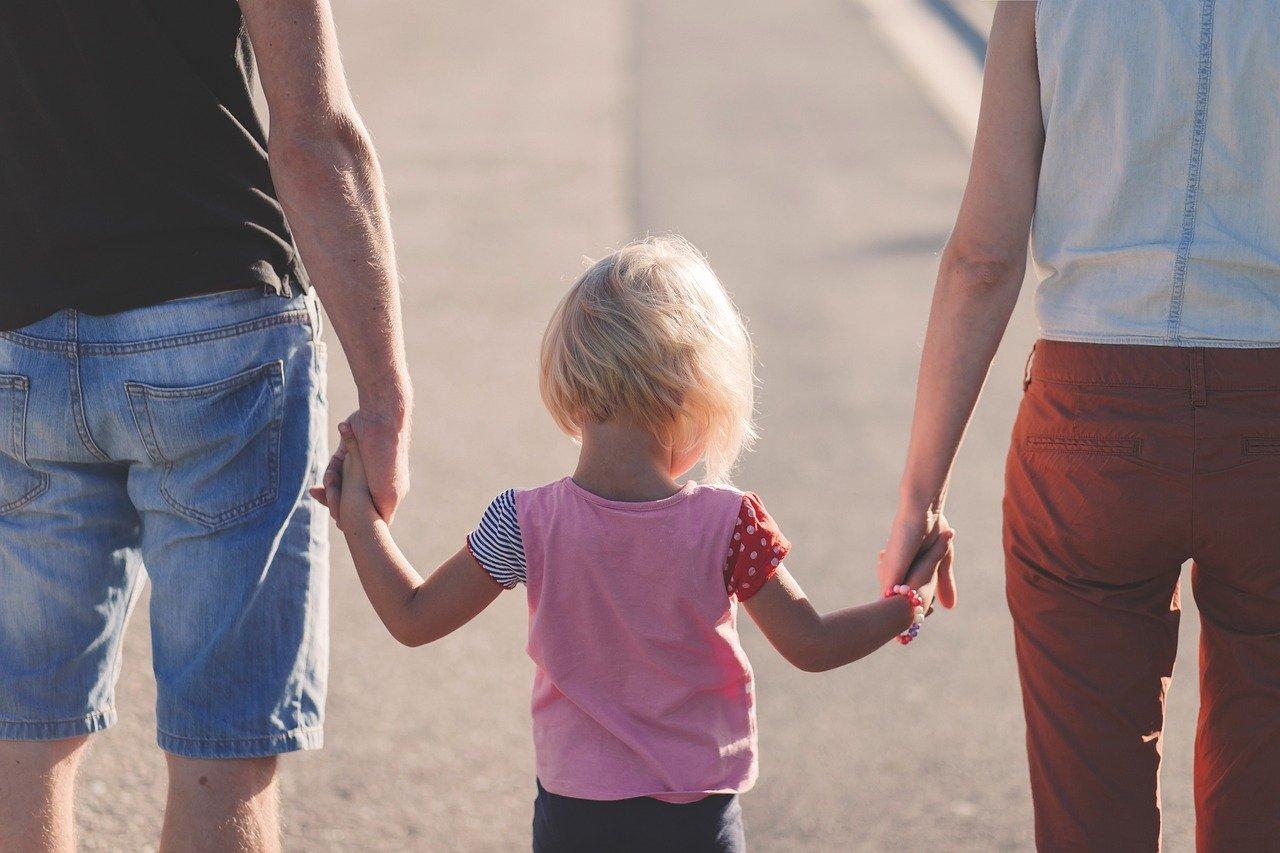 Какие выплаты могут получить семьи с детьми