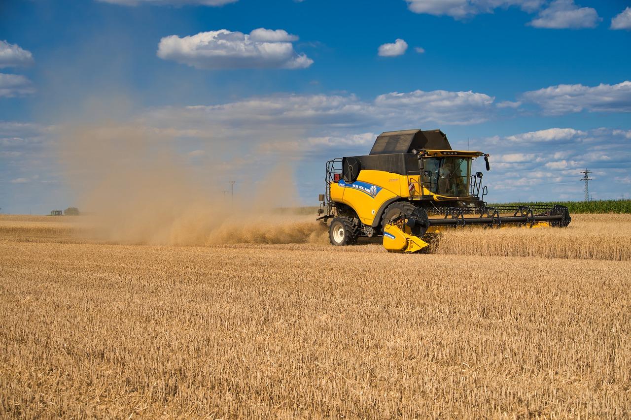 Российские аграрии получили 926,7 млн рублей на компенсацию ущерба в результате ЧС