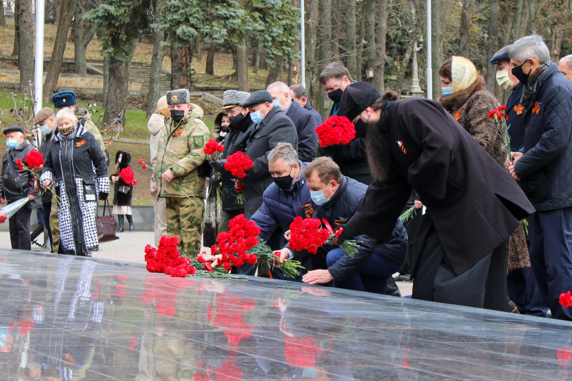 В Северо-Кавказском округе Росгвардии прошли торжественные мероприятия, посвященные Дню Неизвестного Солдата