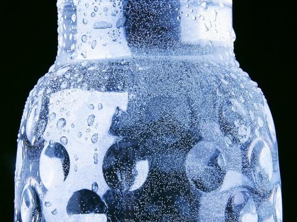 В воде в бутылках нашли и нитраты, и хлор, и вранье на этикетках