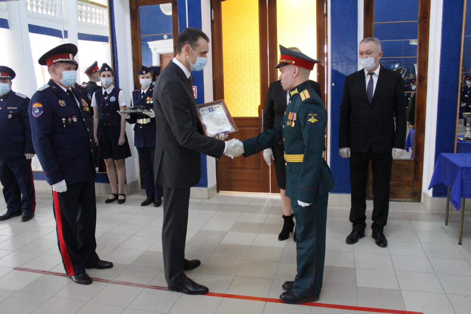 У белокалитвинских кадет прошла торжественная церемония приведения к Кодексу чести