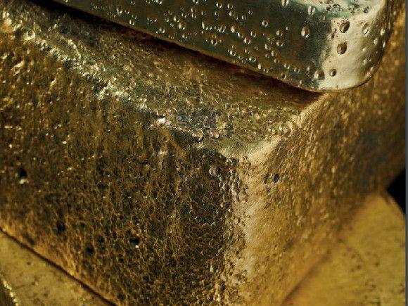 Житель Чукотки прятал в гараже 6 кг золота