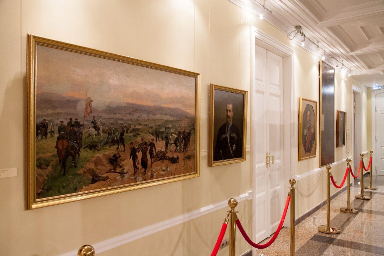 Свою работу начинает выставочный проект к 200-летию Ф.М.Достоевского «Достоевский в кругу своих героев»