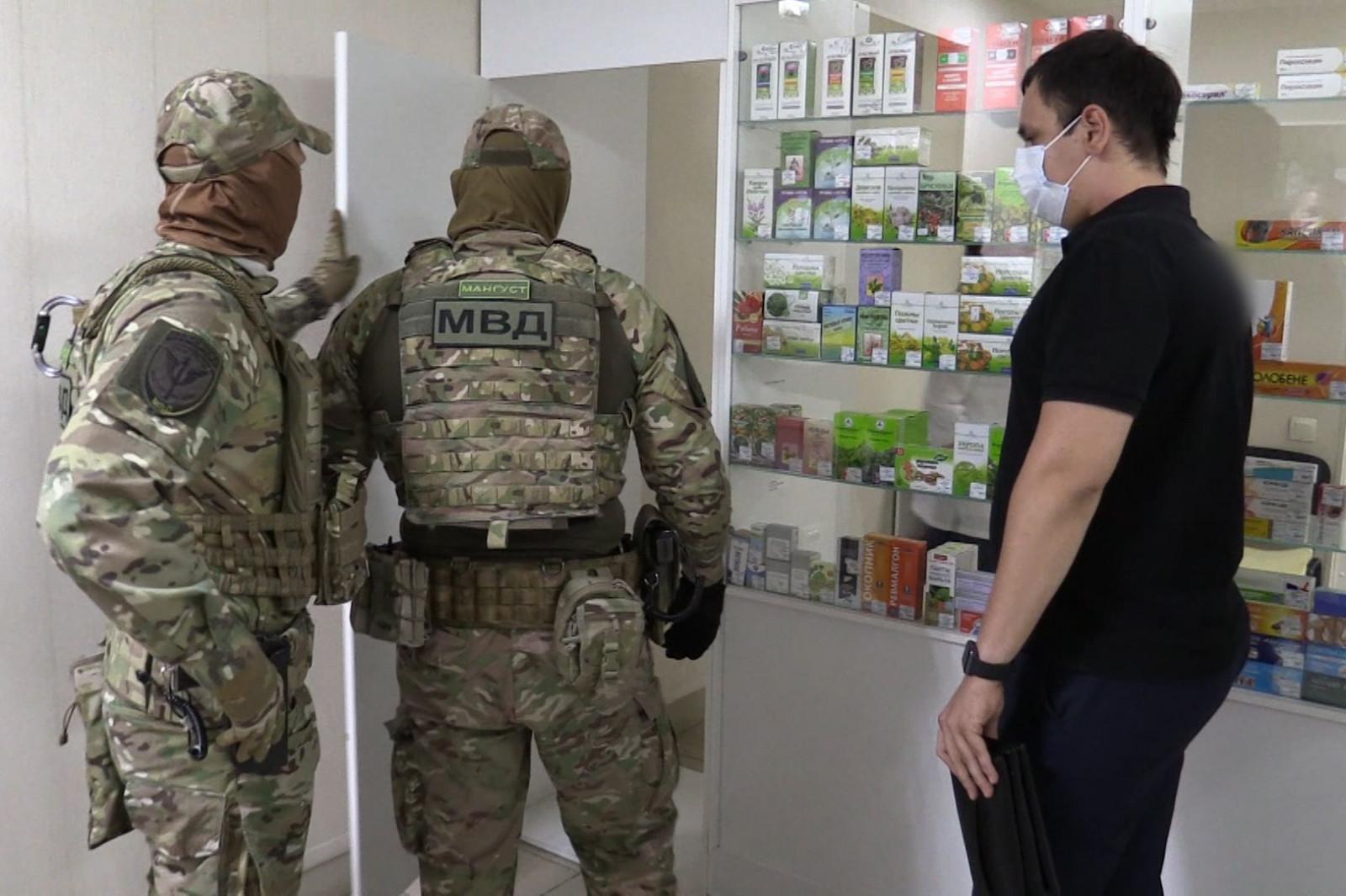 Полиция Дона борются с безрецептурной                           продажей препаратов, содержащих сильнодействующие и психотропные вещества