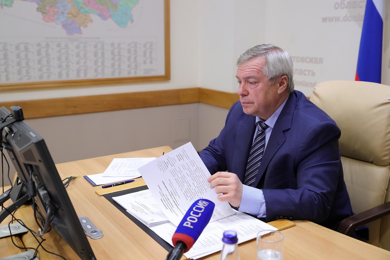 По просьбе жителей будут обновлены ФАП, ЦРБ и санитарный транспорт в трех территориях Дона